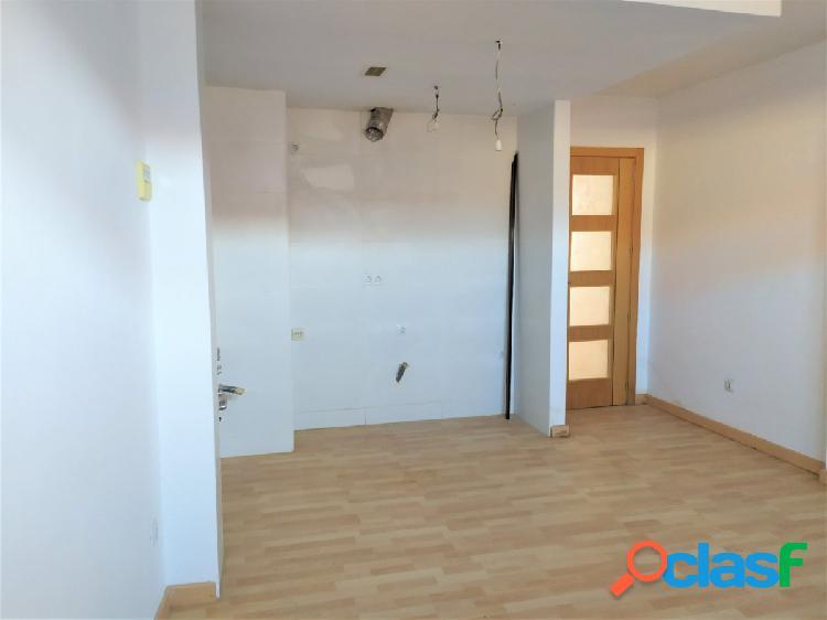 Se vende piso seminuevo 2 dormitorios en fuentes de ebro. trastero incluido