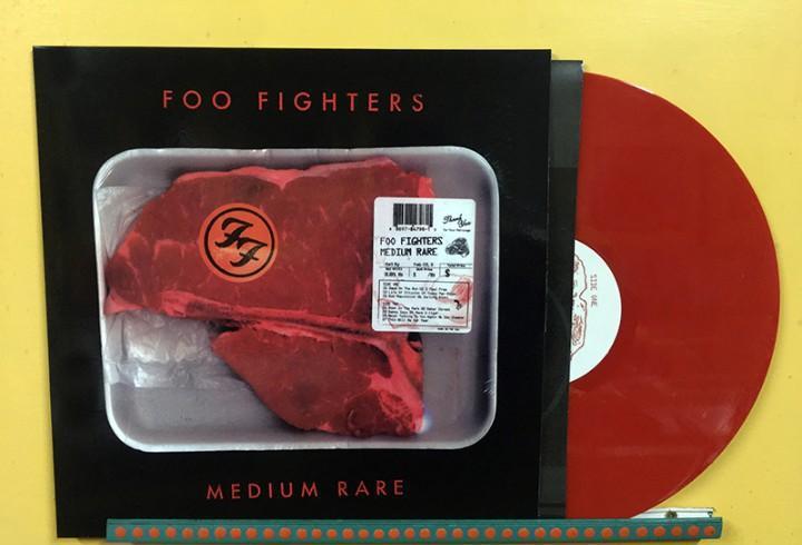 Foo fighters lp medium rare vinilo color rojo muy raro