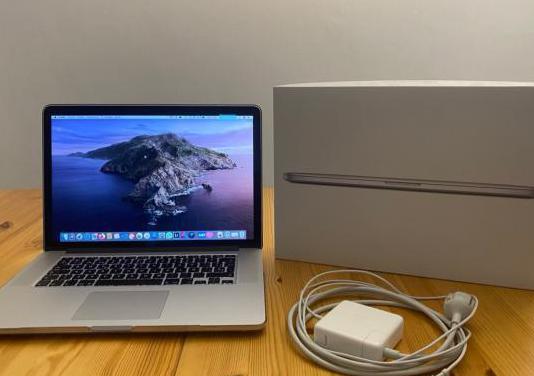 Macbook pro 15 color plata (a1398)