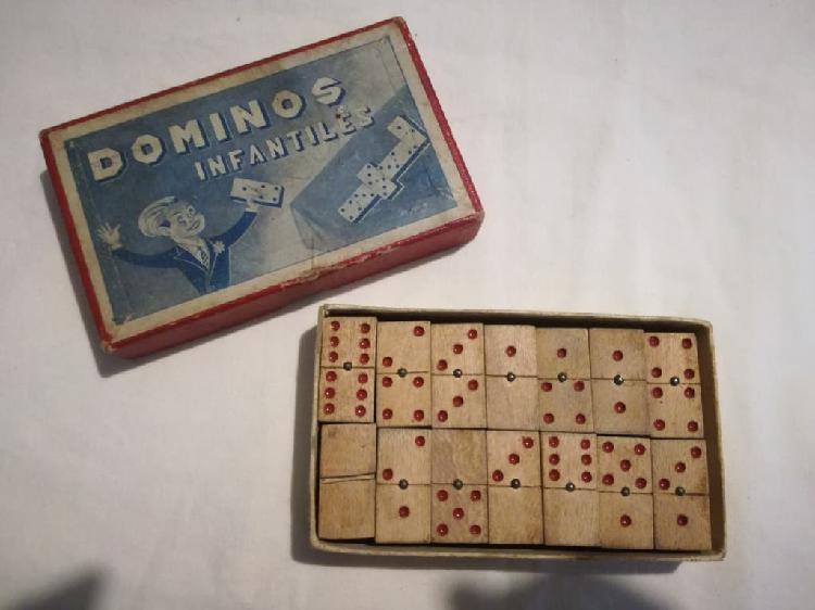 Antiguo mini domino infantil de madera