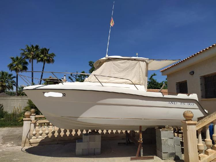 Barco beneteau antares 600