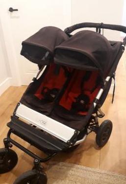 Carrito gemelar mountain buggy
