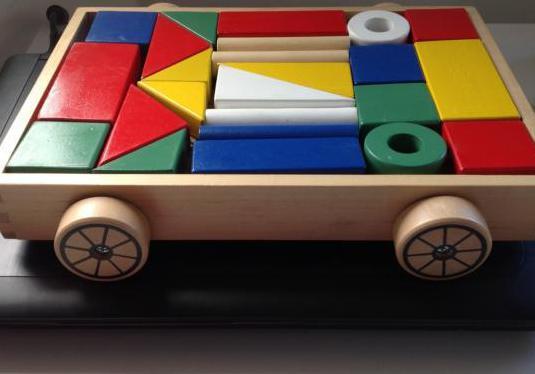 Juego piezas madera colores