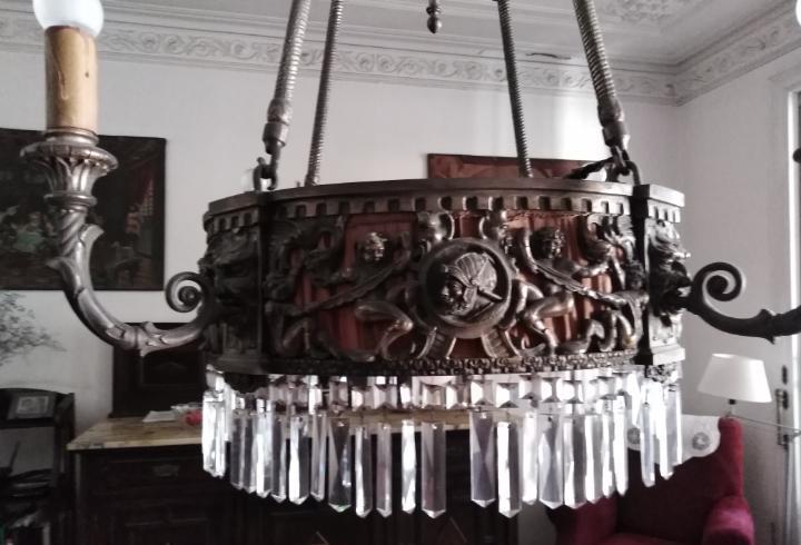 Lámpara techo en hierro y cristal.