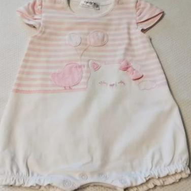Pelele de bebé rosa y blanco MAYORAL