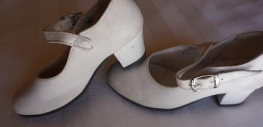 Zapatos sevillana n 24-25- 21- 32 ver fotos