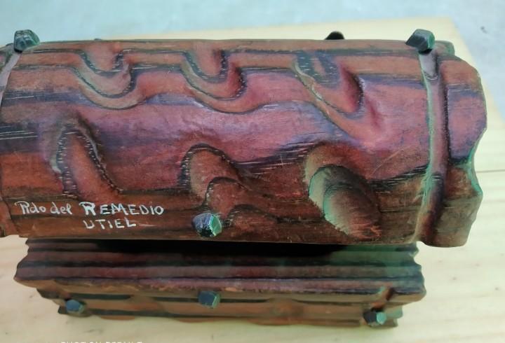 Clasico cofre, joyero en madera tallada, artesanal,