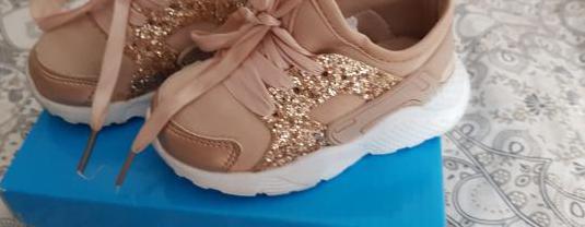 Zapatos deportivos bebé niña
