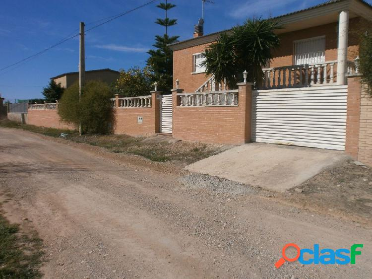 Chalet independiente con piscina. 1