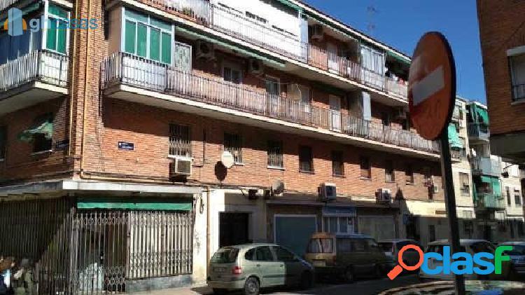 Local comercial en venta en madrid - vista alegre - opañel