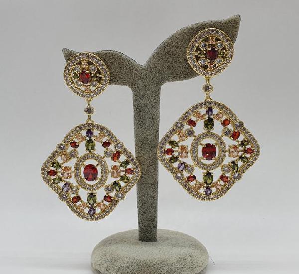 Espectaculares pendientes de estilo imperio chapados en oro