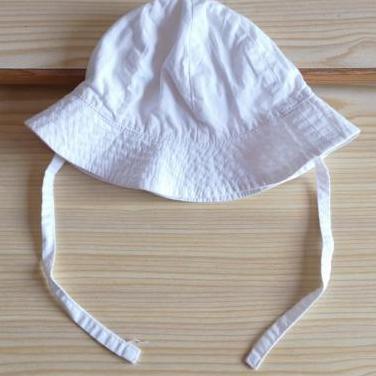 Gorro de bebé. algodón, 4-6 meses