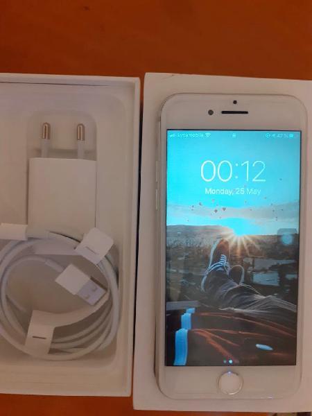 Iphone 7 semi nuevo en bueno estado en