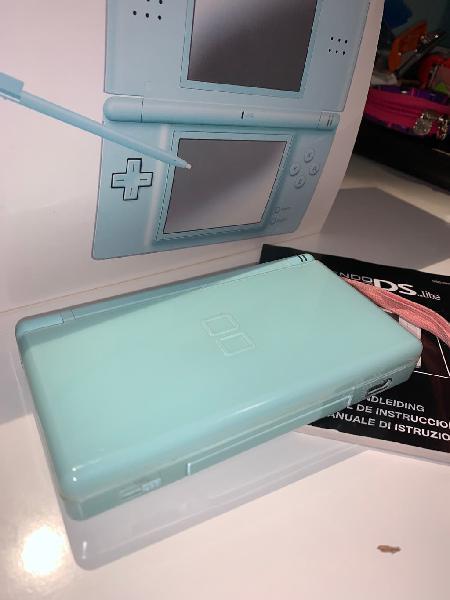 Nintendo ds lite azul con juegos y accesorios
