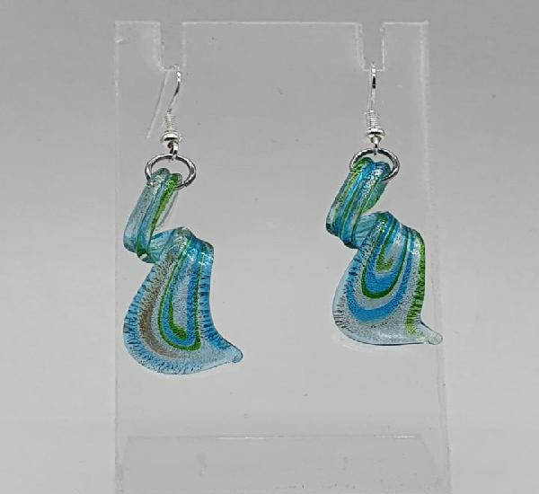 Originales pendientes en cristal de murano en tonos azul,