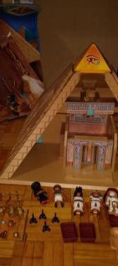 Piramide de playmobil