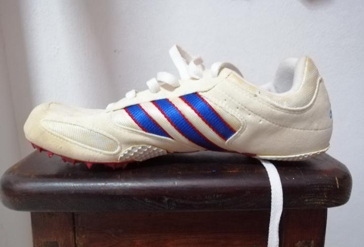 Zapatillas adidas de clavo años 90