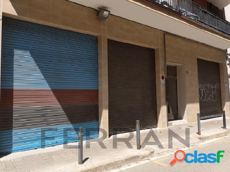 Local comercial en alquiler, manuel sancho, barcelona.