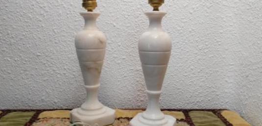Lámparas antiguas de mármol.