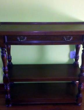 Mesa rectangular de madera con cajon