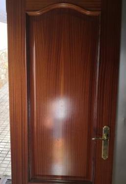 Puertas de paso madera maciza de pino barnizadas