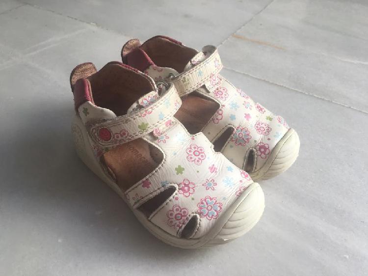 Biomecanics niña blanco rosa talla 22 bebé