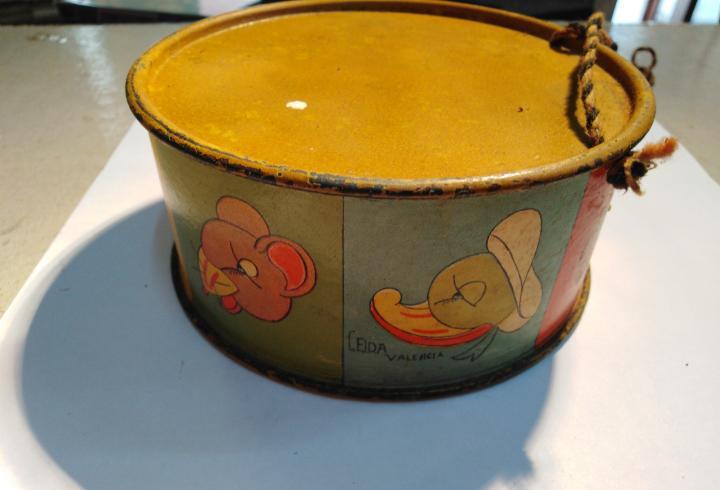 Juguete tambor de hojalata-años 30,precioso,con cuerda de
