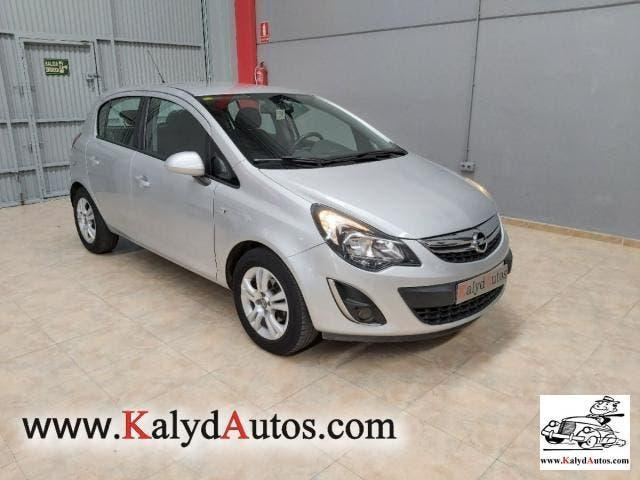 Opel corsa 5p selective 1.4 66 kw (90 cv) aut.
