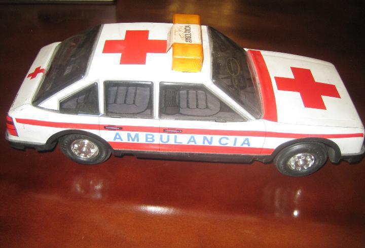 Paya - coche ambulancia en metal - ver fotos