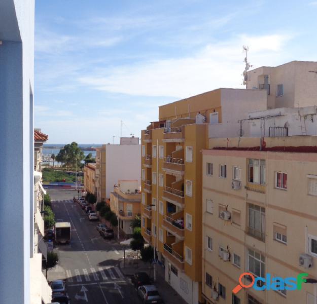 Acogedor Apartamento en Torrevieja a tan solo 300 metros de la Playa de Acequión