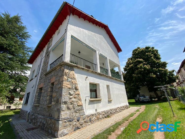 Piso de 6 dormitorios, 2 baños y amplia terraza en castejón de sos