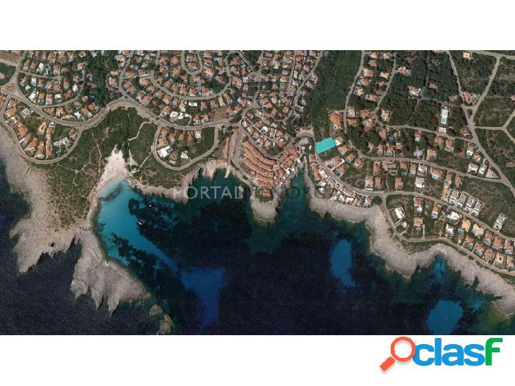 Terreno urbano con vistas al mar en venta en s'atalaia, cerca del mar