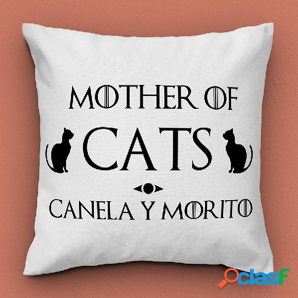 "Cojín personalizado con nombre ""mother of cats"""