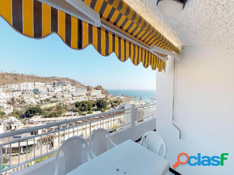 Apartamento con 3 dormitorios y terraza en Puerto Rico 1