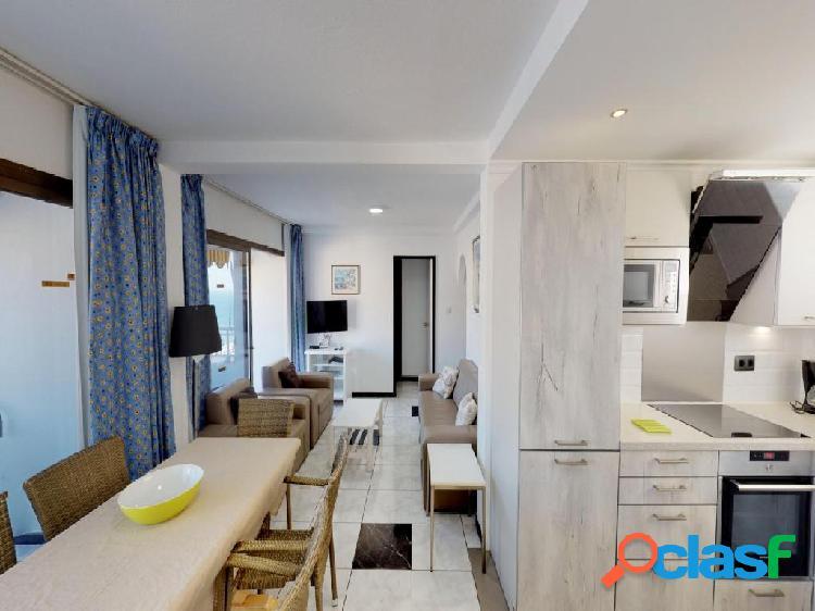 Apartamento con 3 dormitorios y terraza en Puerto Rico 3