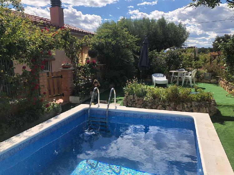 Alquiler vacacional: casita de campo con piscina