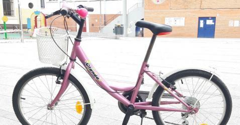 """Bicicleta 20"""" infantil muy ligera perfecto estado"""