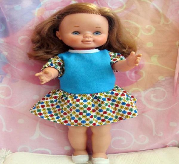 Dificil de encontrar muñeca de famosa meggi pelirroja,