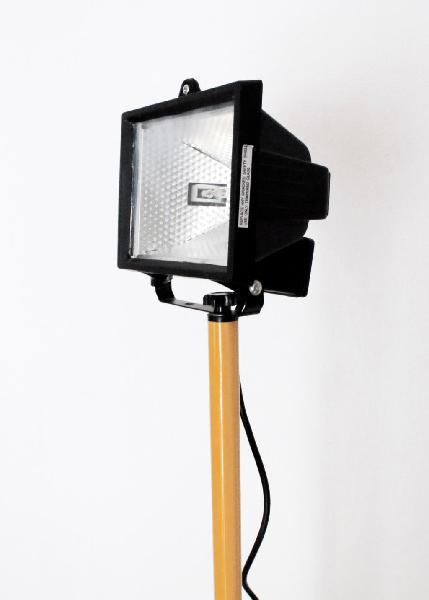 Foco potente 400w + soporte ajustable altura