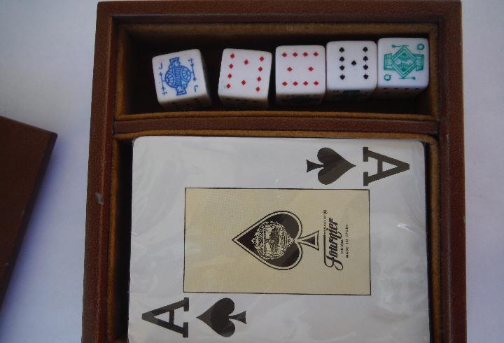 Juego de cartas poker y dados en estuche polipiel
