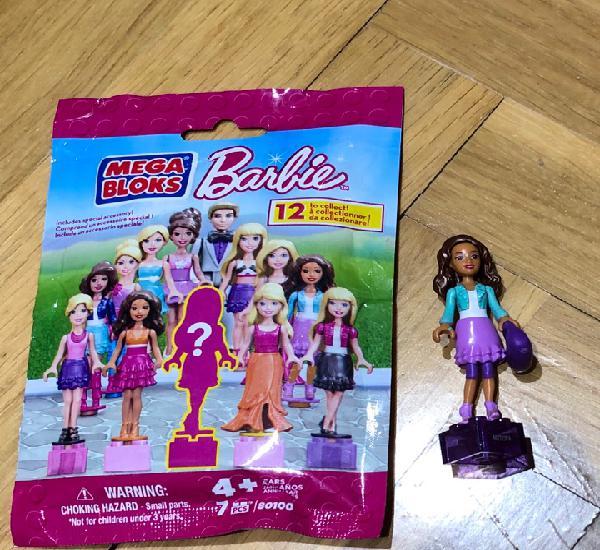 Mega bloks barbie. sobre precintado incluye una muñeca para