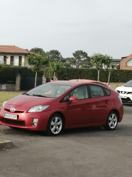 Toyota prius advance 2010
