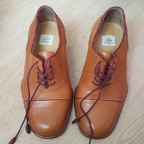Zapatos barrats 39