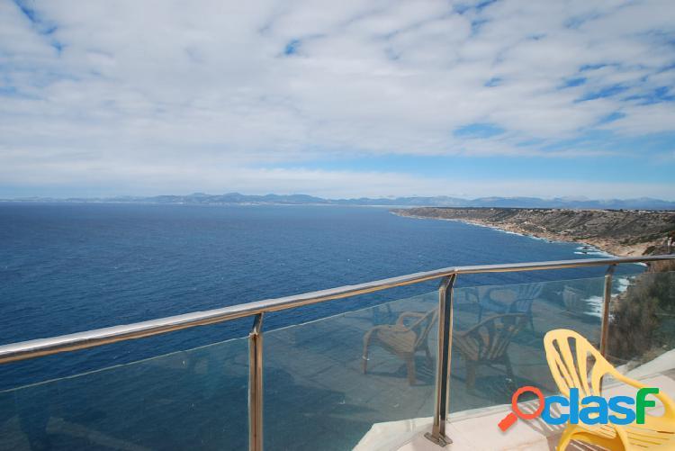 Chalet primera linea de mar con vistas a la bahia de palma
