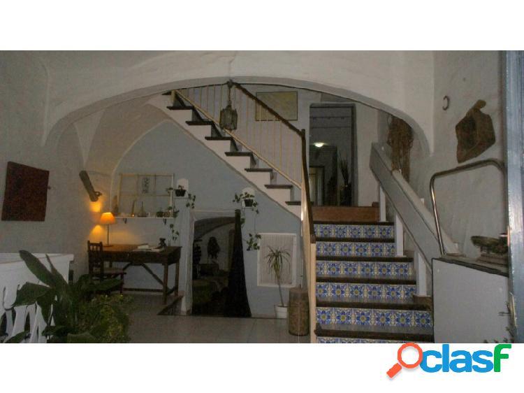 Casa en venta en menorca (alaior centro) de 354m2 con 5 habitaciones