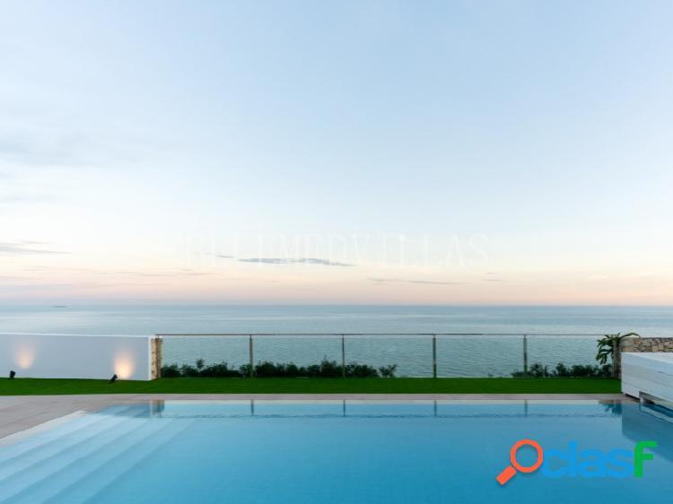 Villa mediterránea frente al mar en venta en jávea, alicante
