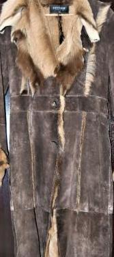 Abrigo de piel marrón talla 38