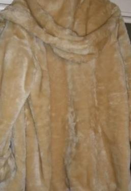 Abrigo de señora piel sintética