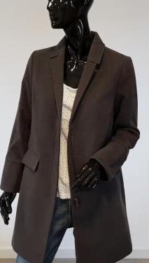 Abrigo gris tres cuartos