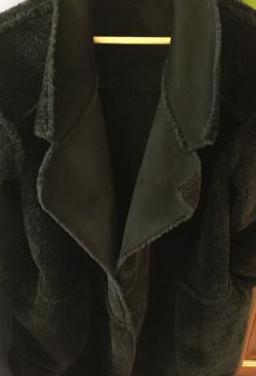 Abrigo negro reversible